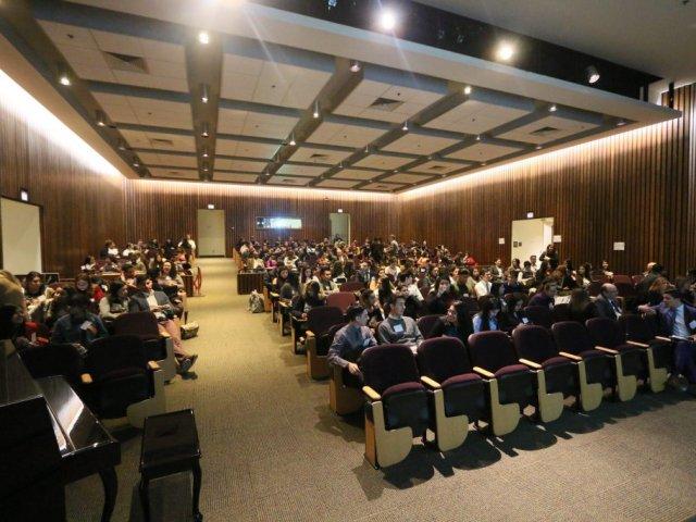 Audience-in-auditorium-IMG_7076-1024x683